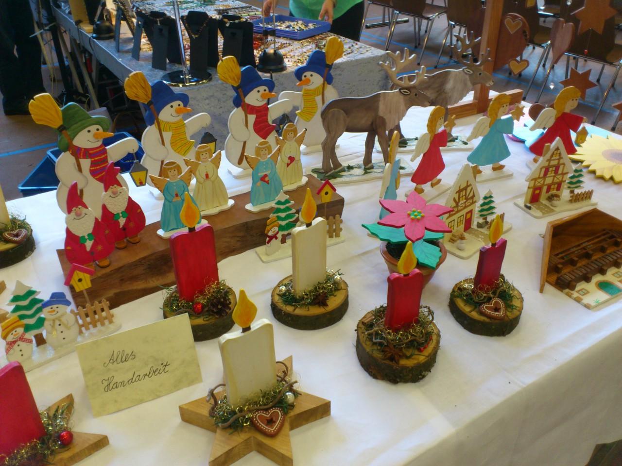 Holz-Deko-auf-Kunsthandwerkermarkt